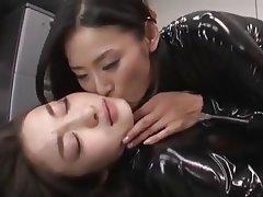 Asiáticas, Látex, Lesbianas